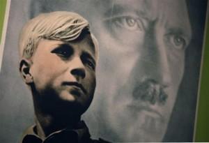 Την αναβίωση της χιτλερικής νεολαίας επιδιώκουν να αναβιώσουν οι καλοκαιρινές κατασκηνώσεις των νεο - ναζιστών στη Γερμανία