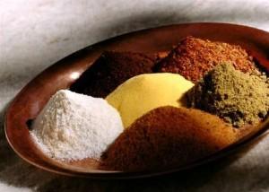 Δύο κουταλιές της σούπας καρυκευμάτων στις λιπαρές τροφές σώζουν την καρδιά, σύμφωνα με νέα μελέτη