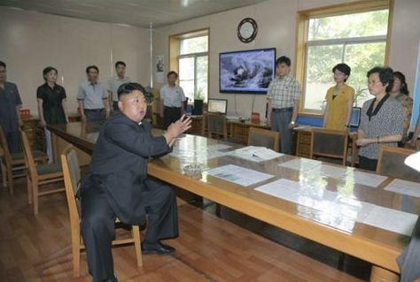 Ο Κιμ δίνει αυστηρή «καθοδήγηση επί τόπου» για πιο επιστημονικές μετεωρολογικές προβλέψεις   (Φωτογραφία:  Reuters )