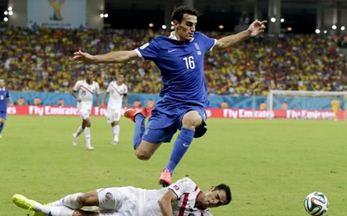 Ο Χριστοδουλόπουλος υπέγραψε για τρία χρόνια στην Ελλάς Βερόνα «Πετούσε» με τη γαλανόλευκη ο Λάζαρος στα γήπεδα της Βραζιλίας (Φωτογραφία: Associated Press )