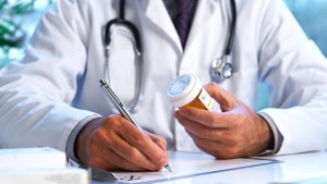 giatros--farmakopoios-edinan-narkwtika-se-toksikomaneis.w_l