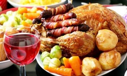 Christmas-Dinner-666x399
