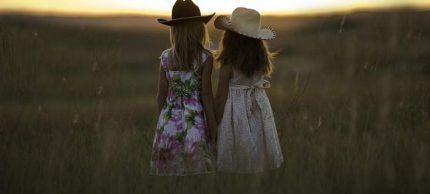 sisters-708