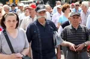 Από πορεία διαμαρτυρίας για τις περικοπές συντάξεων από συνταξιούχους στη Θεσσαλονίκη